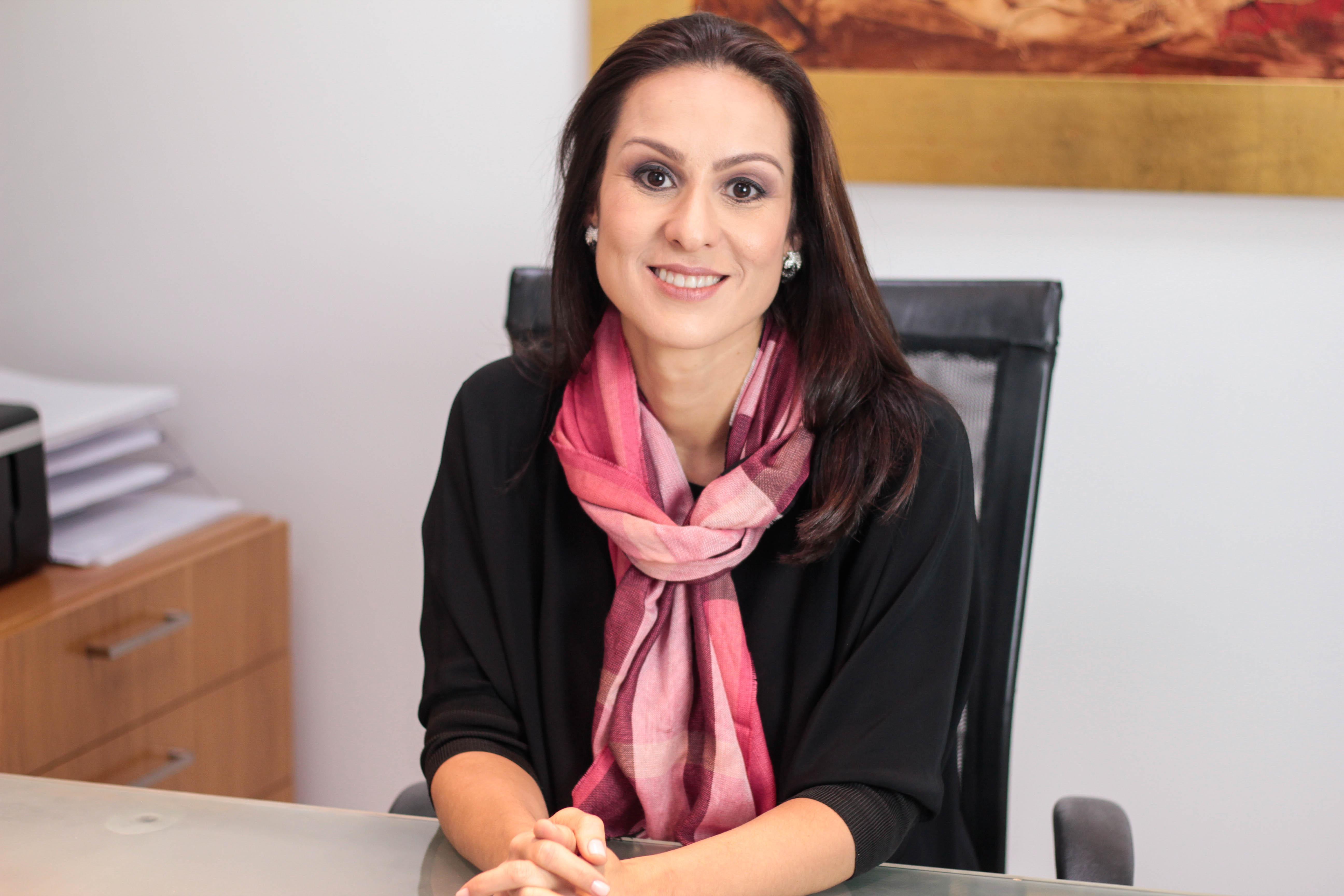 Dra. Adriana de Góes